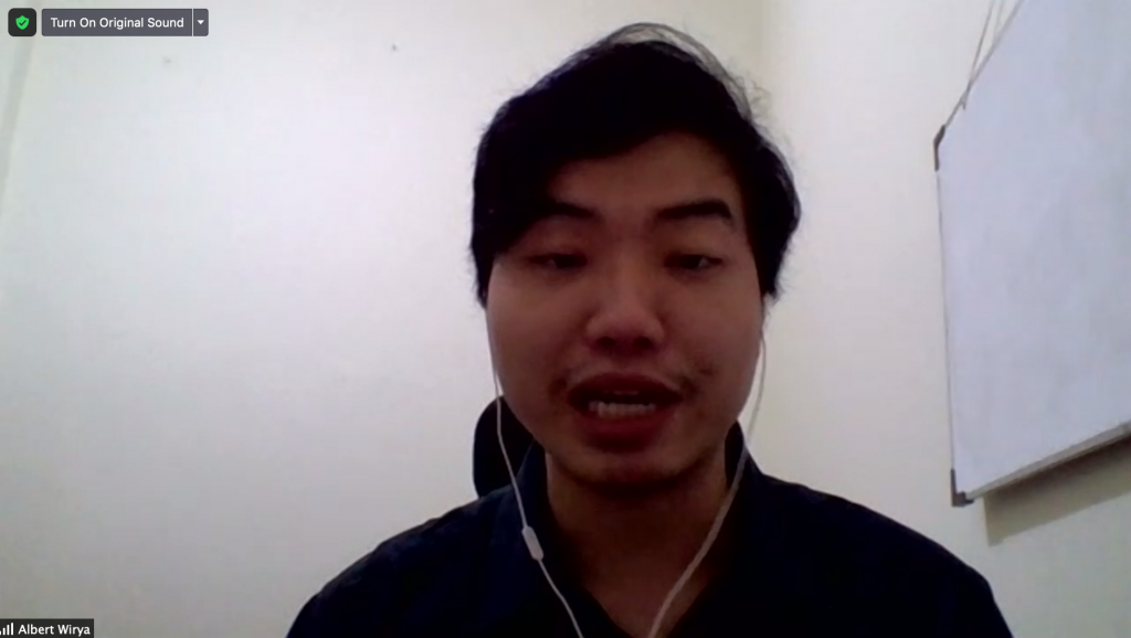 Albert Wirya – LBHM sedang memaparkan materi mengenai HAM dan Teknik Advokasi